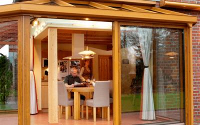 Hvornår skal du søge byggetilladelse til udhuse og skure?